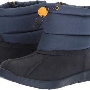 Navy unisex Child's Size 4 UGG Puffer Boot